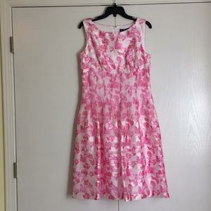 Leslie Fay Pink and White Dress